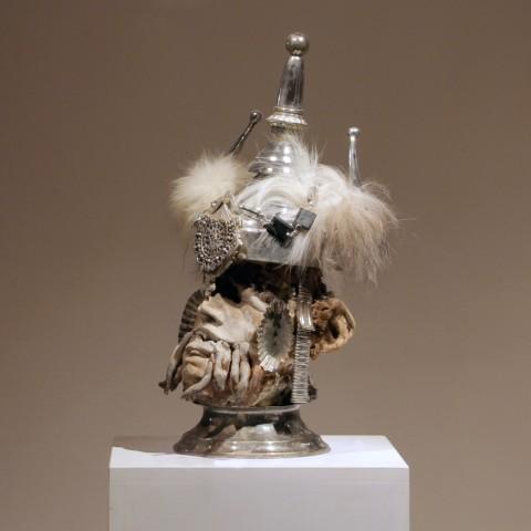 frozen-head-siver-helmet-warrior-kriegerisch--45x24x20--180