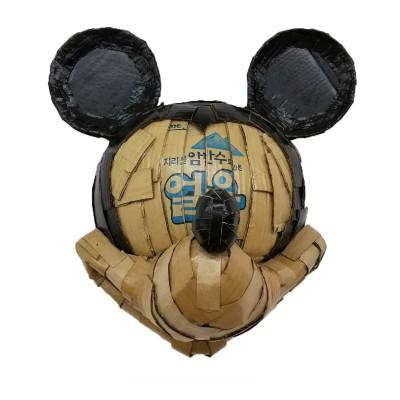 Korean Mickey 38 x 54 x 42 cm Cartón, pintura acrílica y barniz acrílico 2017 1.000€