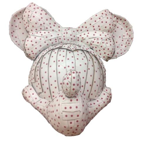 Minnie mouse is in demand as well 58 x 50 x 42 cm Cartón, papel adhesivo,, pintura acrílica y barniz acrílico 2017 1.000€
