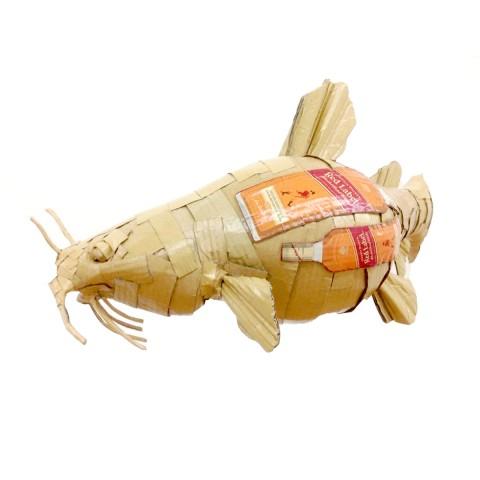 The Catfish 30 x 30 x 60 cm Cartón y barniz acrílico 2017 1.000€